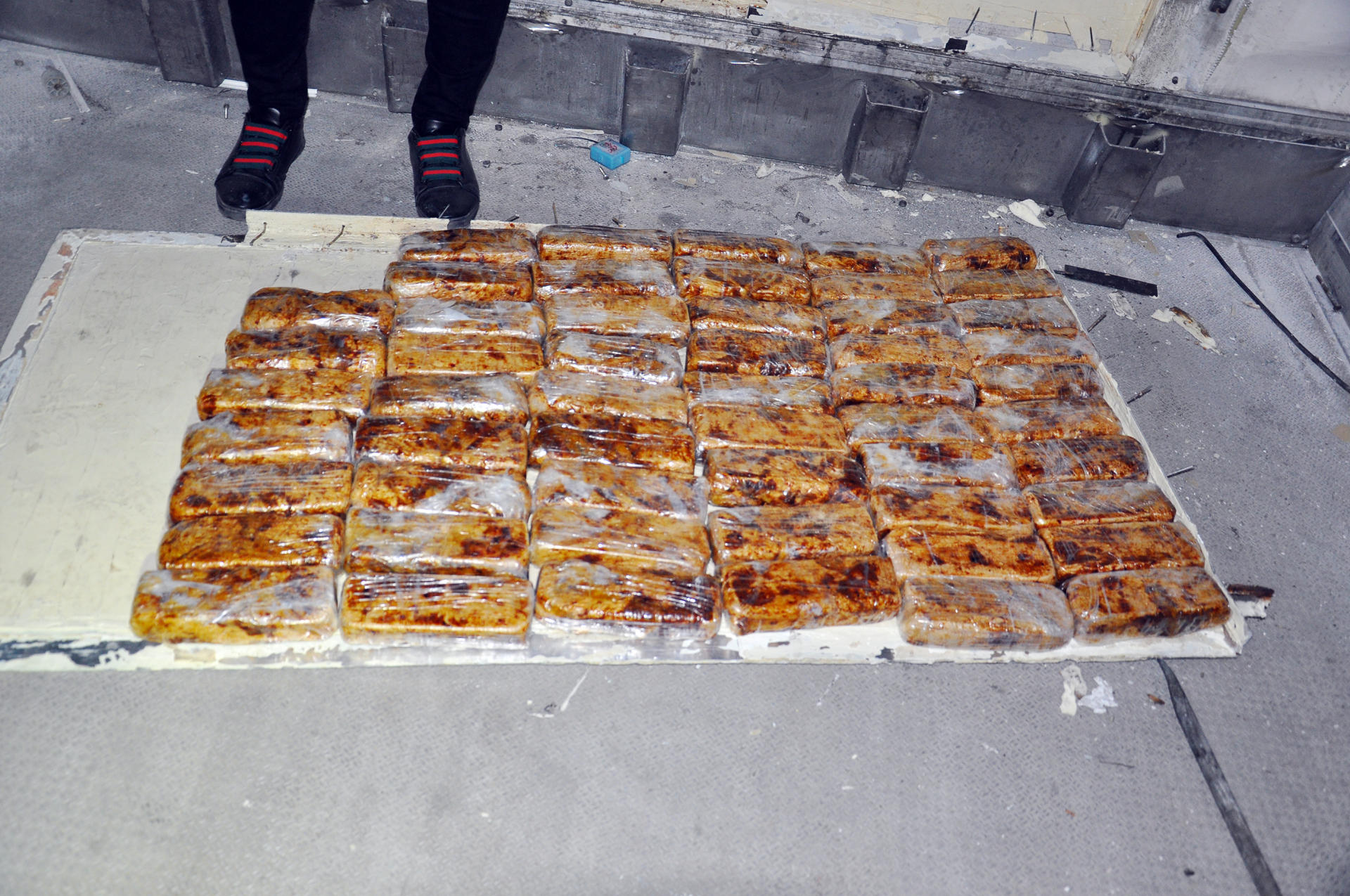 Ukraine citizen caught in Azerbaijan, while smuggling heroin from Iran (PHOTO/VIDEO)