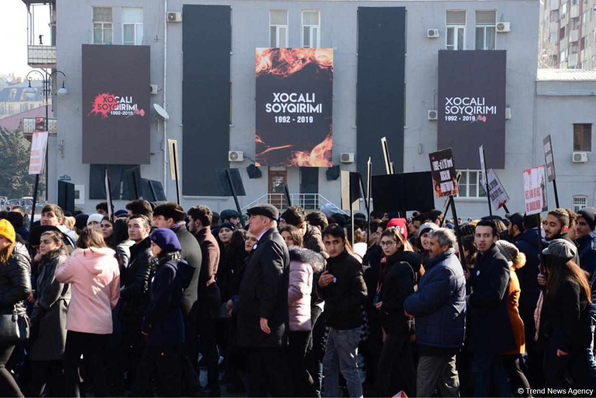 Общественность Азербайджана чтит память жертв Ходжалинского геноцида (ФОТО) - Gallery Image