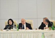 Azerbaijani president, first lady meet culture, art figures (PHOTO) - Gallery Thumbnail