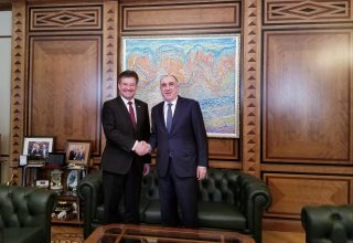Azerbaijani FM meets with OSCE Chairperson-in-Office (PHOTO)