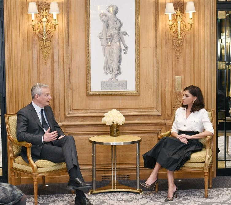 Azerbaijani first VP meets French economy and finance minister (PHOTO)