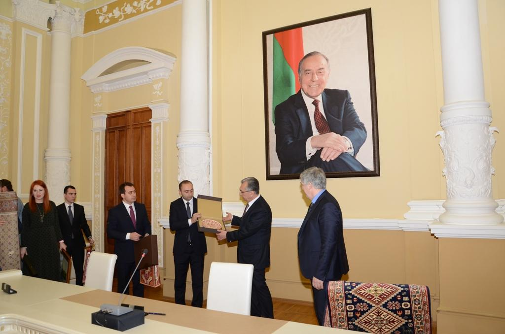 Baku Executive Power signs memorandum of cooperation with Russia's Derbent and Magas (PHOTO) - Gallery Image