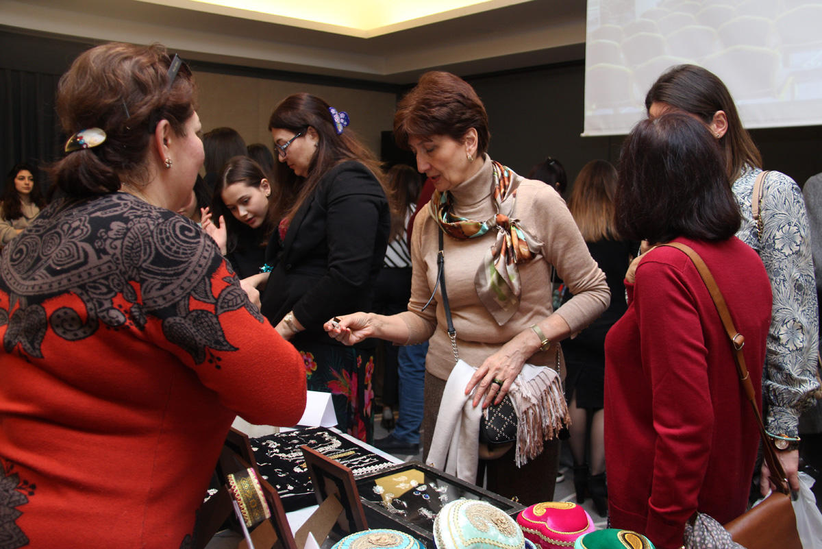 Azerbaijan-France Chamber of Commerce and Industry organizes exhibition (PHOTO) - Gallery Image