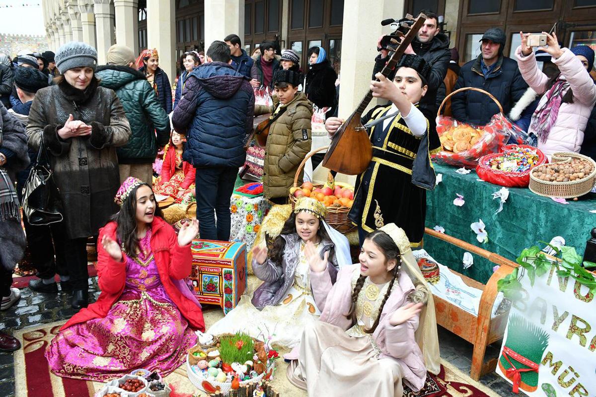 Праздник Новруз в Храме Атешгях (ФОТО) - Gallery Image