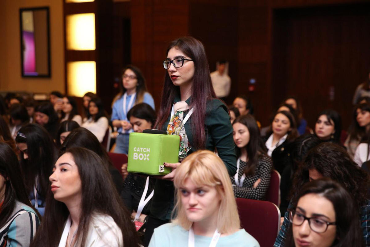 """""""Women at Hilton: Empowered by AmCham"""" Conference takes place in Baku (PHOTO) - Gallery Image"""