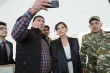 First Vice-President Mehriban Aliyeva meets with servicemen supplied with high-tech prostheses (PHOTO) - Gallery Thumbnail