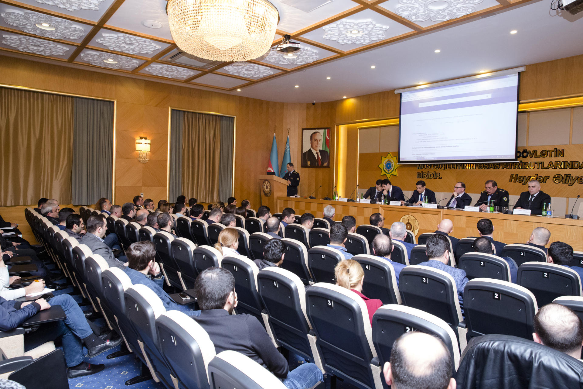 Azerbaijani entrepreneurs to be able to export goods without coming to customs bodies (PHOTO)