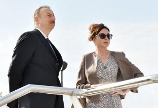 President Ilham Aliyev, first lady Mehriban Aliyeva view new ambulances delivered to Azerbaijan