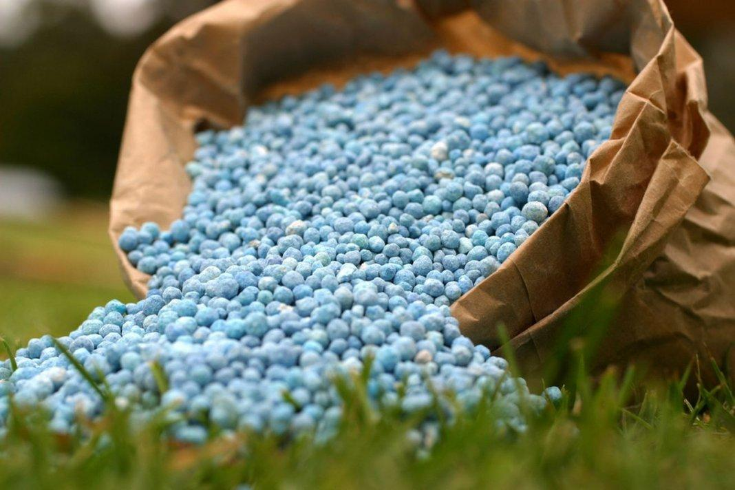 Azerbaijan's Agro Services Agency launches mobile sales of mineral fertilizers