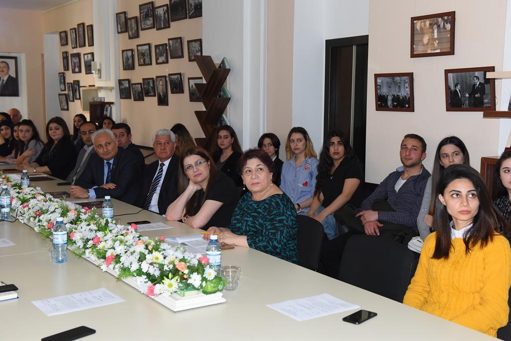"""ADU-da """"Heydər Əliyev və jurnalistikamız"""" mövzusunda tədbir keçirilib (FOTO) - Gallery Image"""
