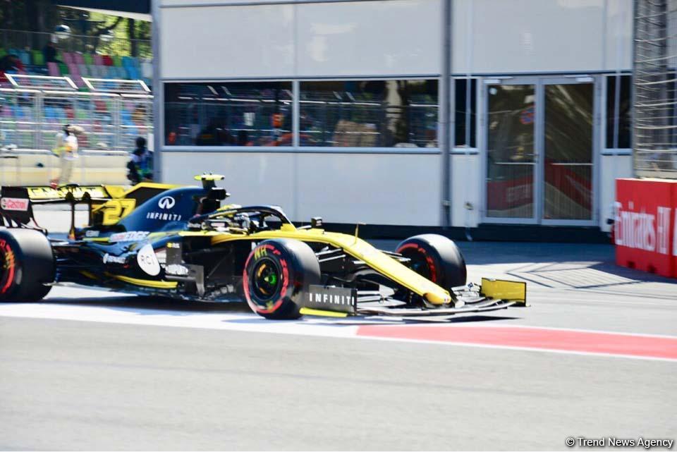 Formula 1 bolidlərinin sıralama turu başlayıb (FOTO) - Gallery Image