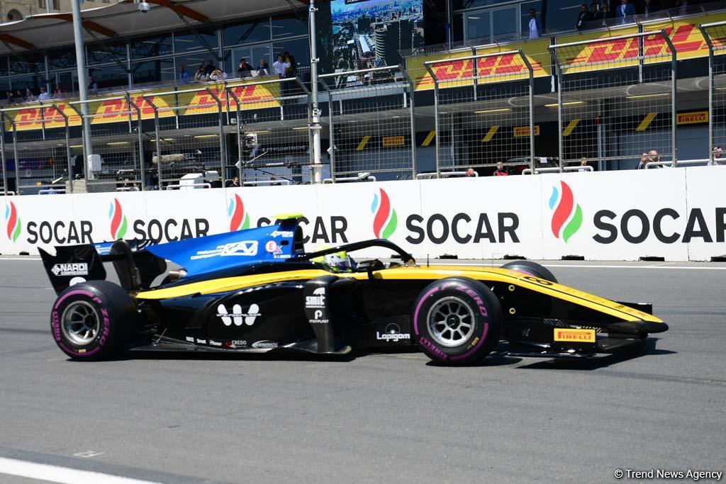 Bakıda Formula 2 üzrə birinci yarışa start verilib (FOTO) - Gallery Image