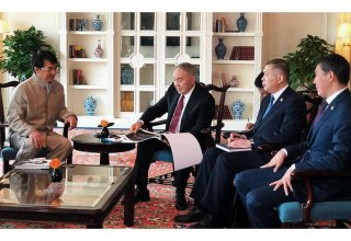 Nazarbayev meets with Jackie Chan in Beijing