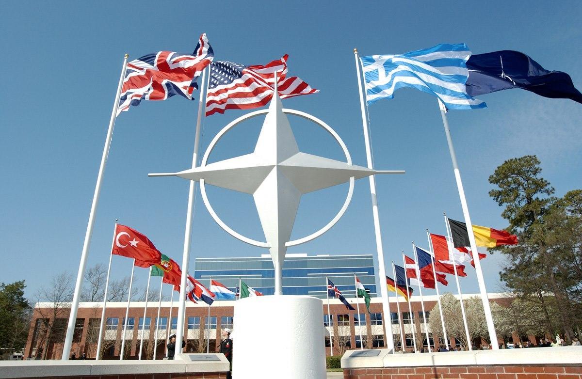 Nazir səhiyyə sahəsində NATO yaratmağı təklif edib
