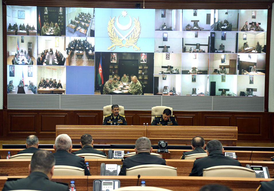 Azerbaijani defense minister instructs to maintain high level of combat readiness (PHOTO)