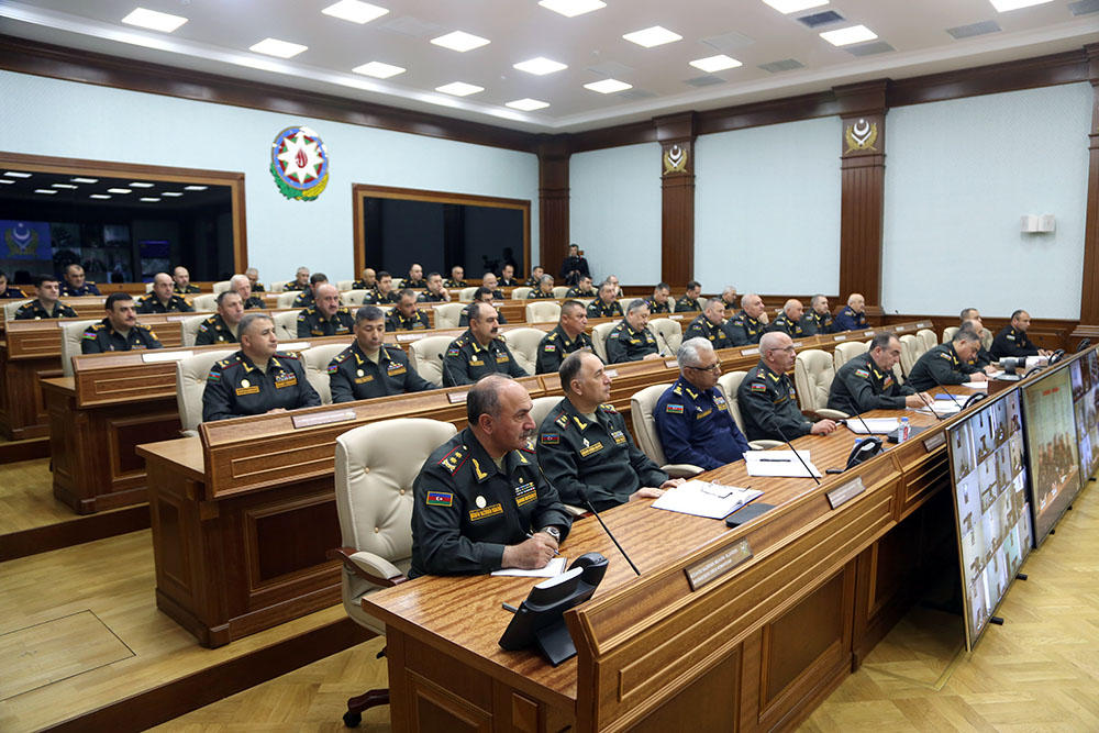 Azerbaijani defense minister instructs to maintain high level of combat readiness (PHOTO) - Gallery Image