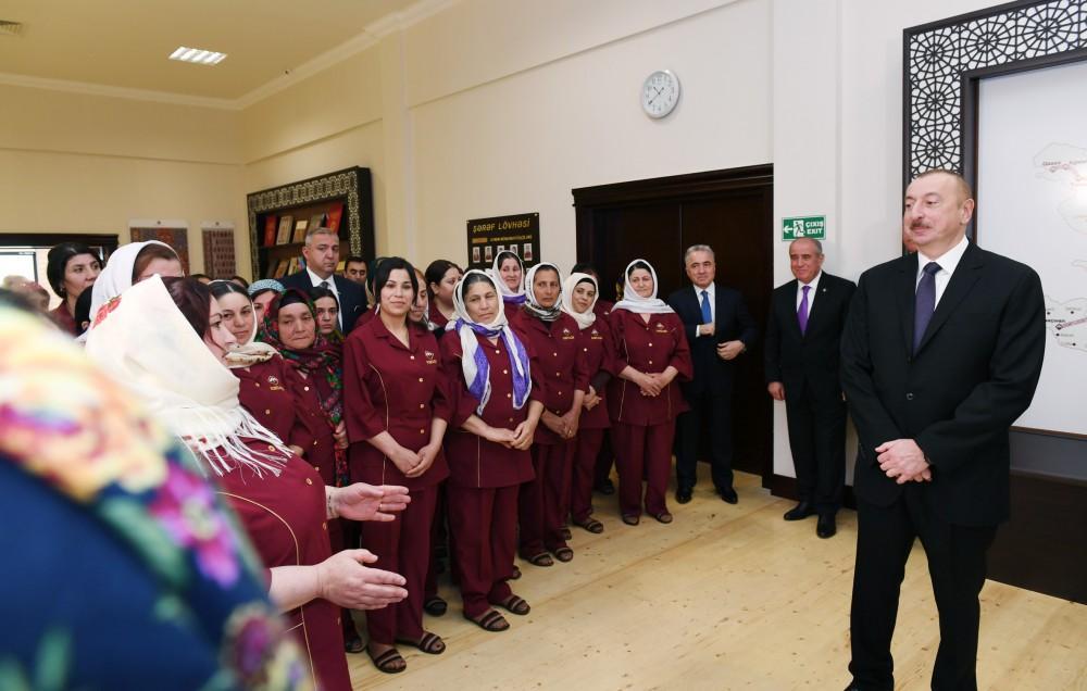 Президент Ильхам Алиев и Первая леди Мехрибан Алиева приняли участие в открытии Гобустанского филиала ОАО «Азерхалча» (ФОТО) - Gallery Image