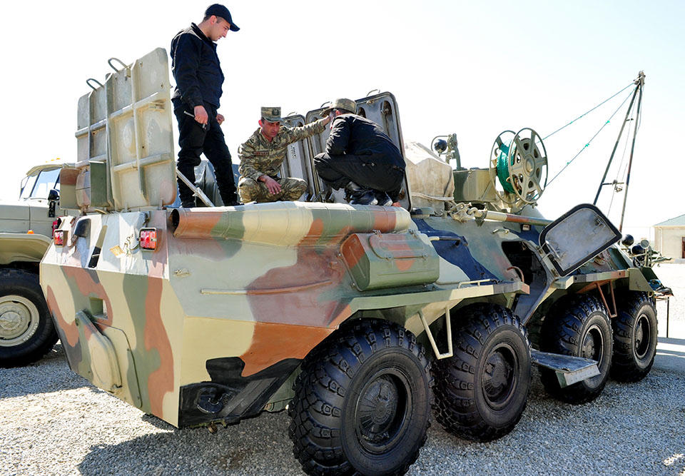Weapons, military equipment being transferred into summer operation mode in Azerbaijan (PHOTO) - Gallery Image