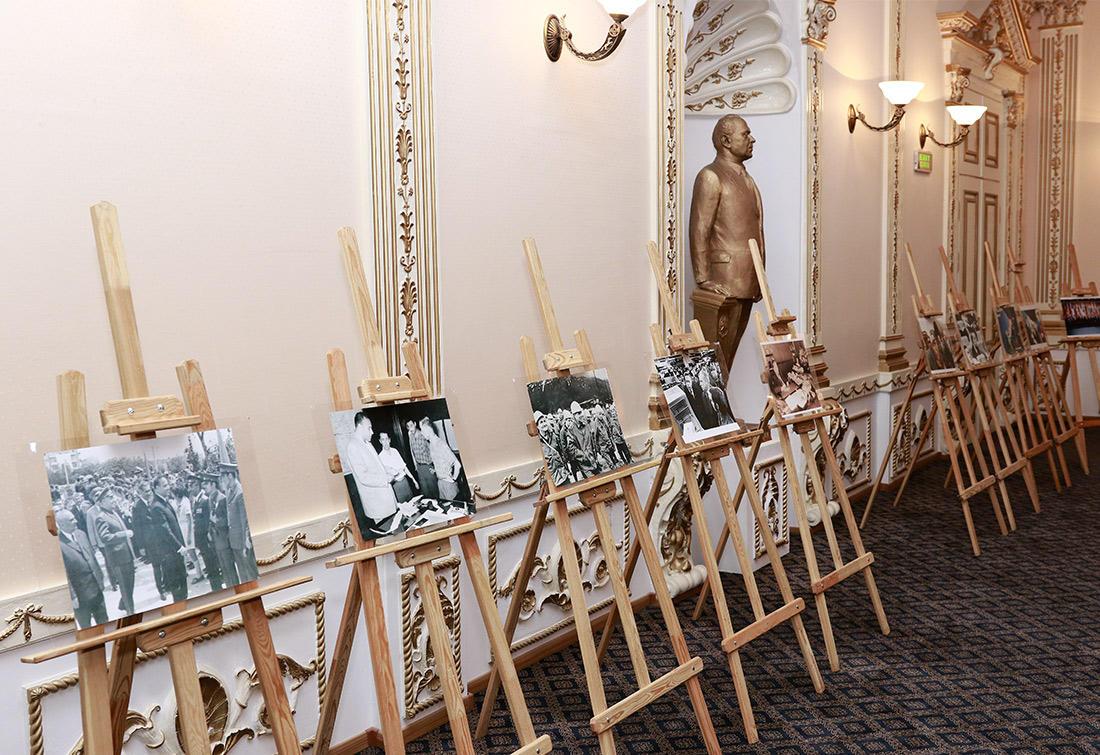 Diasporla İş üzrə Dövlət Komitəsində Heydər Əliyevin anadan olmasının 96-cı ildönümü ilə bağlı tədbir keçirilib (FOTO) - Gallery Image