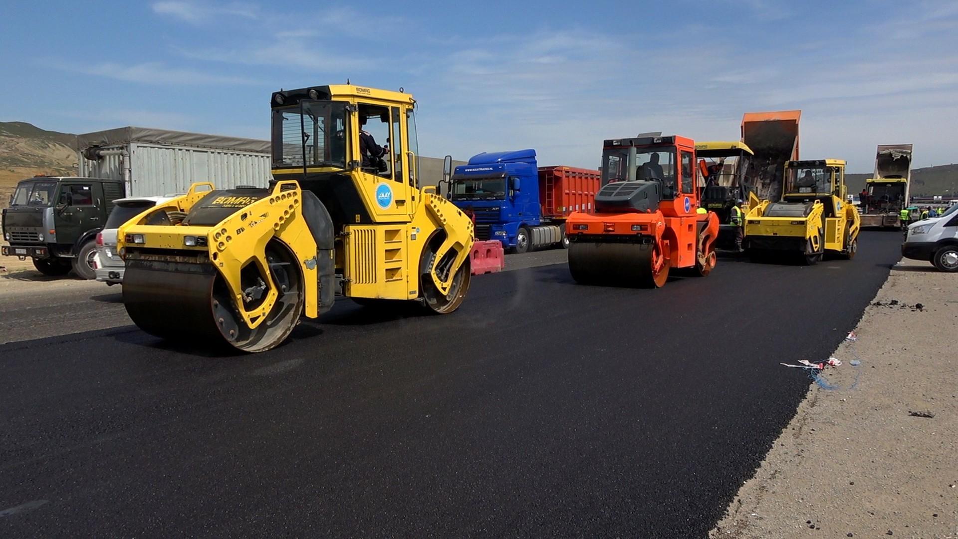 Xocəsən-Lökbatan yolunun yenidən qurulması davam etdirilir (FOTO) - Gallery Image