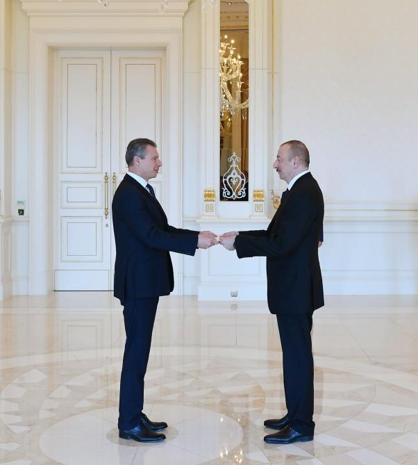 Президент Ильхам Алиев принял верительные грамоты нового посла Украины (ФОТО) - Gallery Image