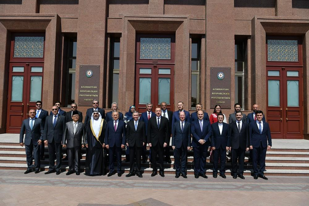 President Aliyev receives ambassadors, heads of diplomatic missions of Muslim countries to Azerbaijan (PHOTO) - Gallery Image