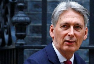 UK's Hammond quits as finance minister before Johnson becomes PM