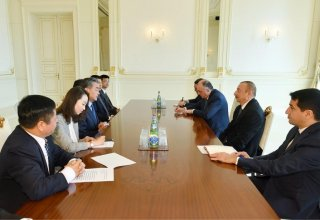 Azerbaijani president receives delegation led by Chinese FM (PHOTO)
