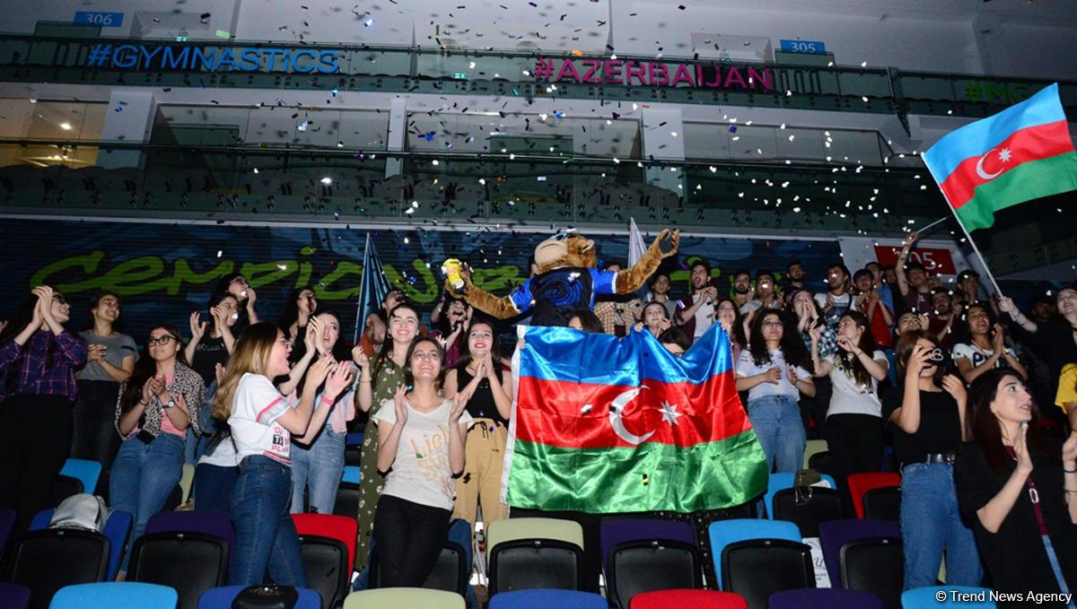 Желаю сборной Азербайджана удачи и побед – зрительница Чемпионата Европы в Баку