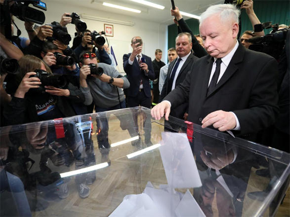 Polish nationalists win EU vote, set stage for national ballot