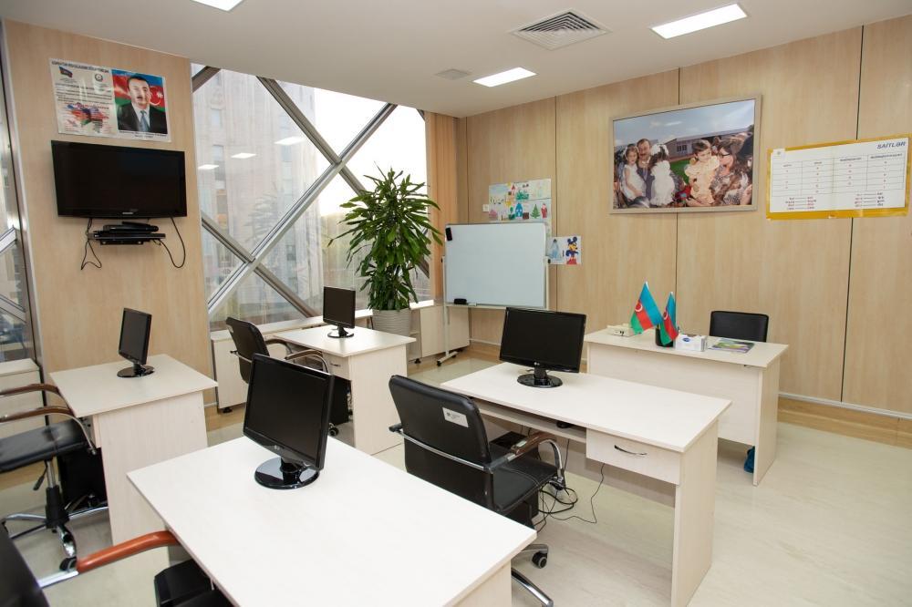 Вице-президент Фонда Гейдара Алиева Лейла Алиева побывала в Детской клинике Национального онкологического центра (ФОТО) (версия 2) - Gallery Image