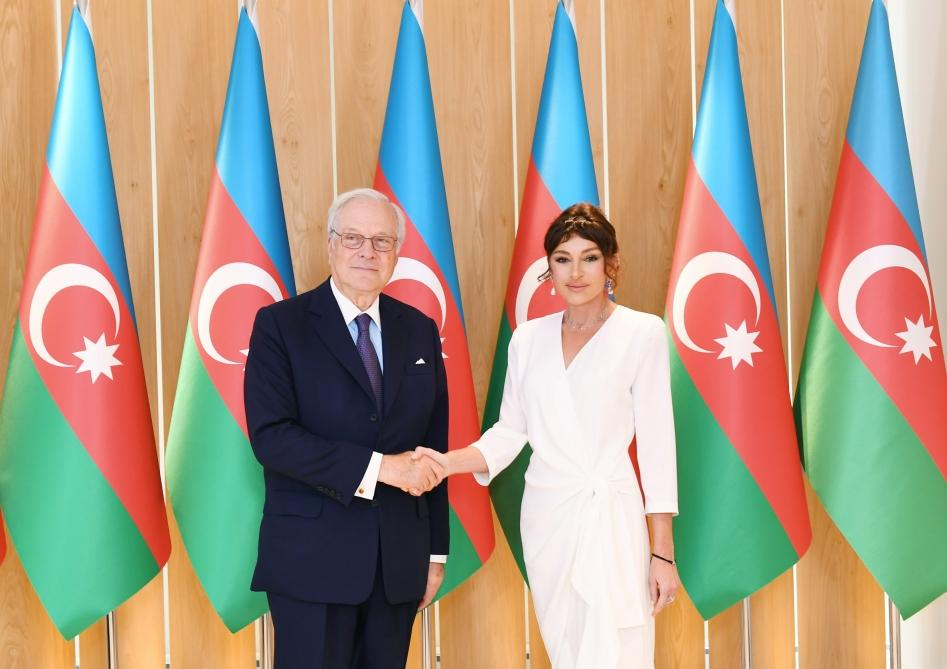 Azerbaijani first VP meets with chairman of Rothschild Global Financial Advisory (PHOTO) - Gallery Image