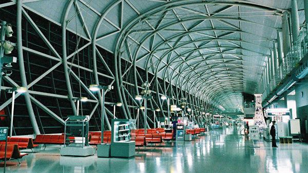 Терминал токийского аэропорта более суток остается без водоснабжения