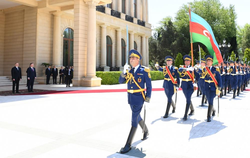 Official welcome ceremony held for Polish president in Baku (PHOTO) - Gallery Image