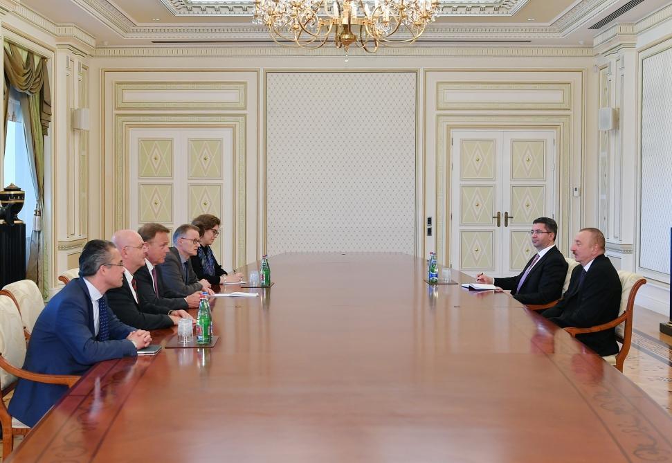 Президент Ильхам Алиев принял  вице-президента Бундестага Германии (версия 2)