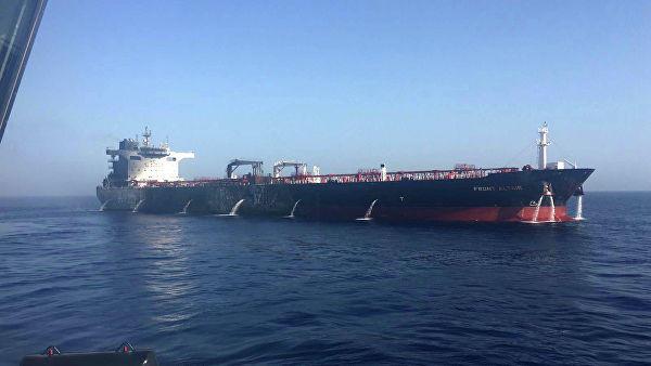 Иранский танкер направился из Гибралтара в один из средиземноморских портов