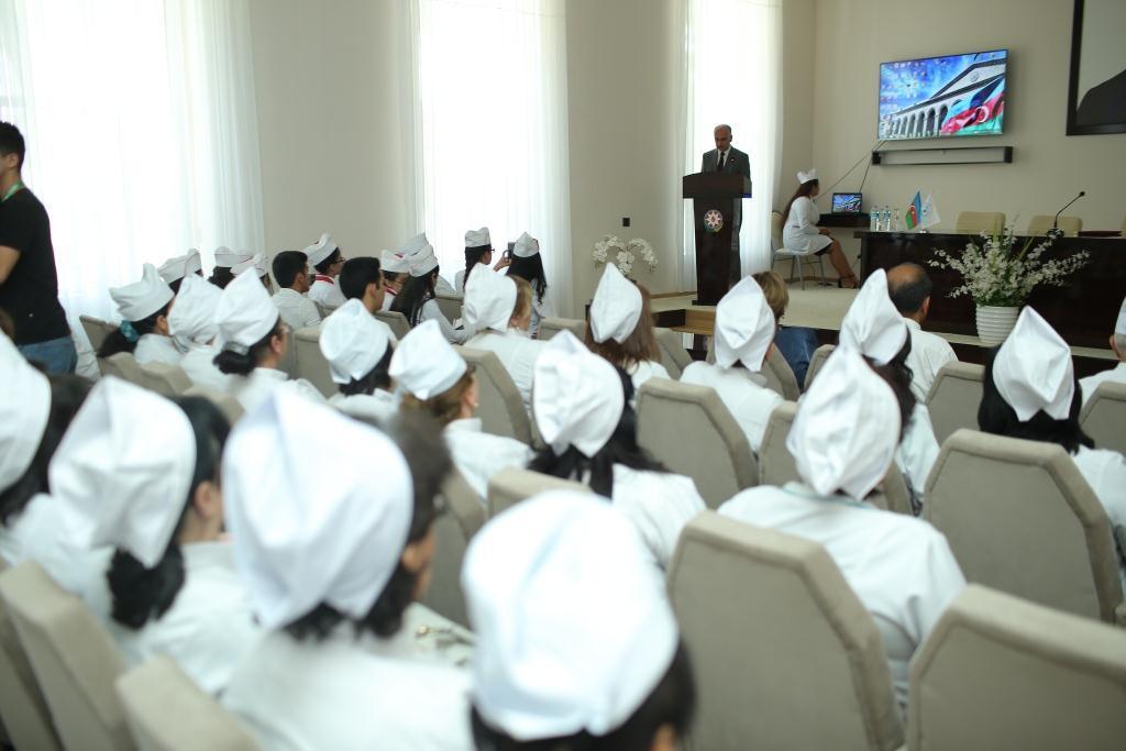 Gəncə Tibb Kollecinin yeni saytının və loqosunun təqdimatı keçirilib (FOTO)