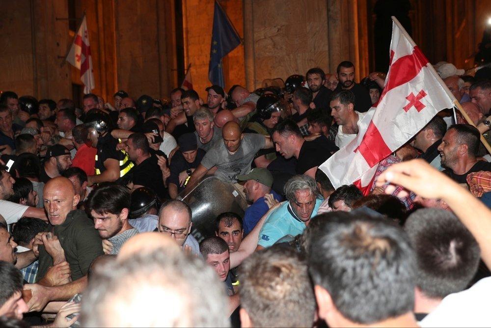 Замминистра: В ходе беспорядков в Тбилиси пострадало 240 человек