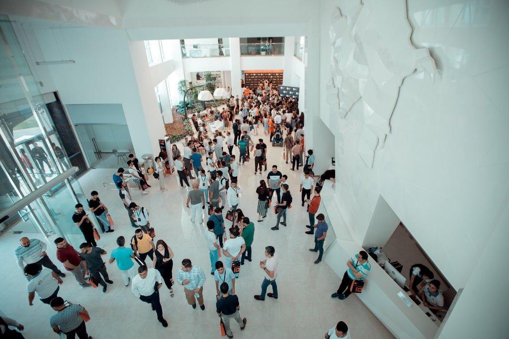 В Баку прошел Azerbaijan Design Summit - большой интерес молодежи (ФОТО) - Gallery Image