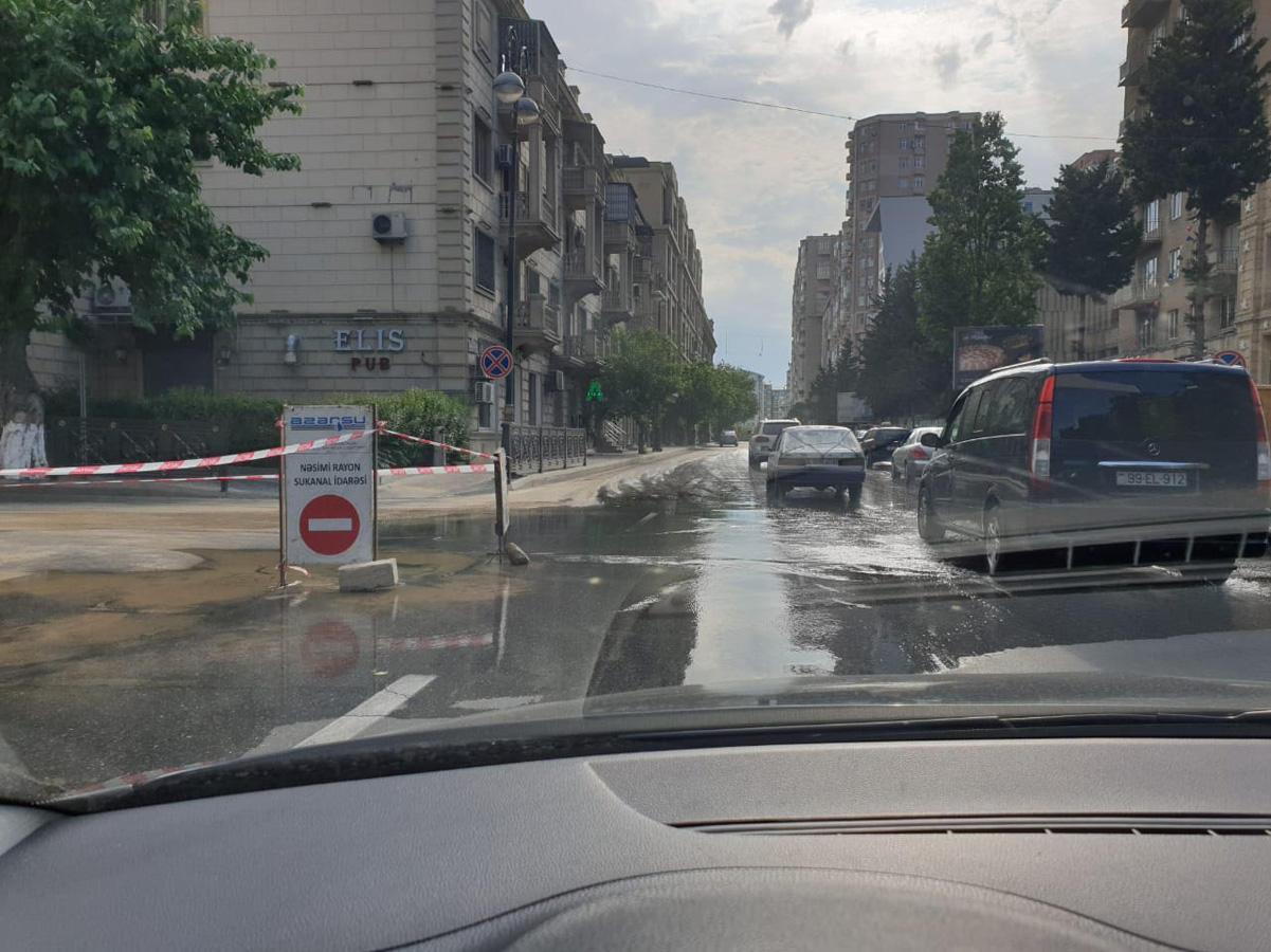 Ограничено движение на перекрестке двух улиц в Баку (ФОТО) - Gallery Image