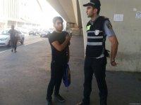 В Баку полиция ведет просветительскую работу среди водителей и пешеходов (ФОТО) - Gallery Thumbnail