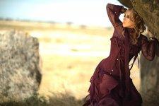 Марсианские хроники Алёны Апиной в Гобустане: Ребята, берите пример с азербайджанцев! (ФОТО) - Gallery Thumbnail