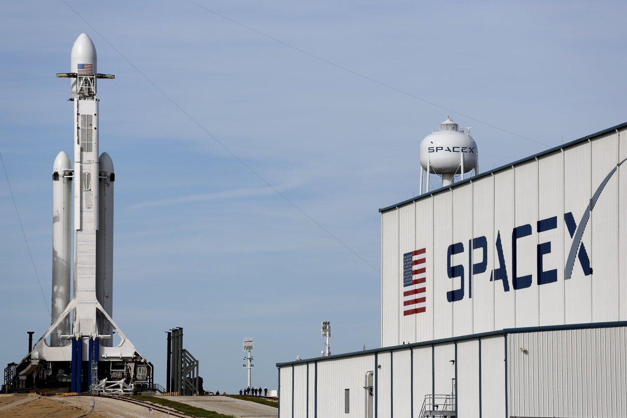 SpaceX launches Dragon resupply spacecraft to ISS
