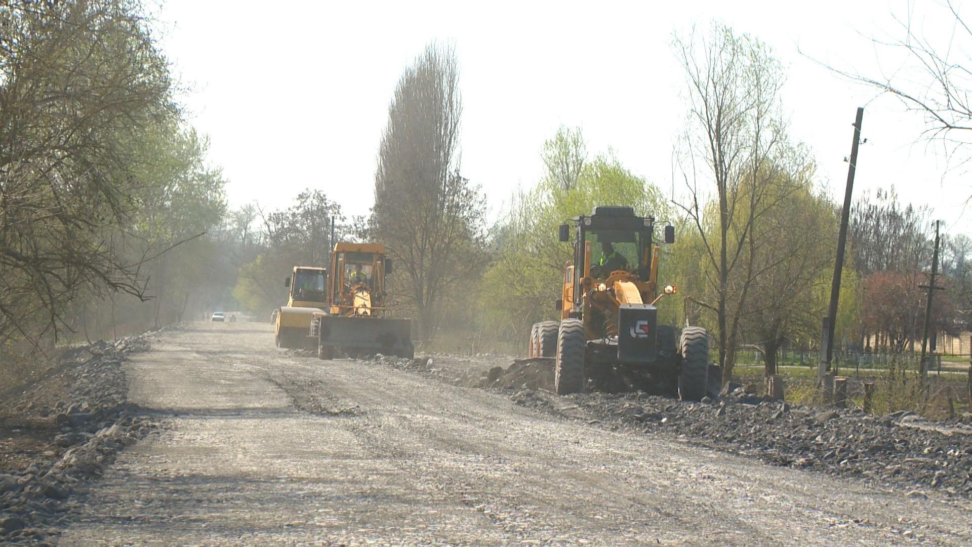 Qax-İlisu marşrutu üzrə 35.5 km uzunluğunda yol yenidən qurulur (FOTO) - Gallery Image