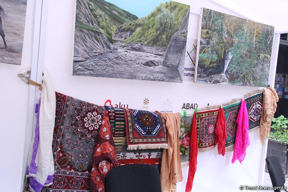 В центре Баку созданы квартал гончарного дела, деревня ковроткачества, поселок медников (ФОТО) - Gallery Image