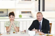 President Ilham Aliyev, First Lady Mehriban Aliyeva attend opening of new residential complex for IDPs in Pirallahi district (PHOTO) - Gallery Thumbnail