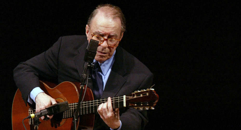 Brazilian singer, songwriter Joao Gilberto dies at age 88