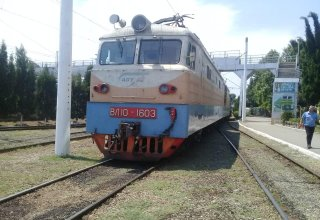 Uzbekistan to buy electric locomotives from Russia