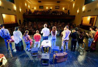 Азербайджанские актеры с безграничными неиссякаемыми возможностями празднуют юбилей своего театра