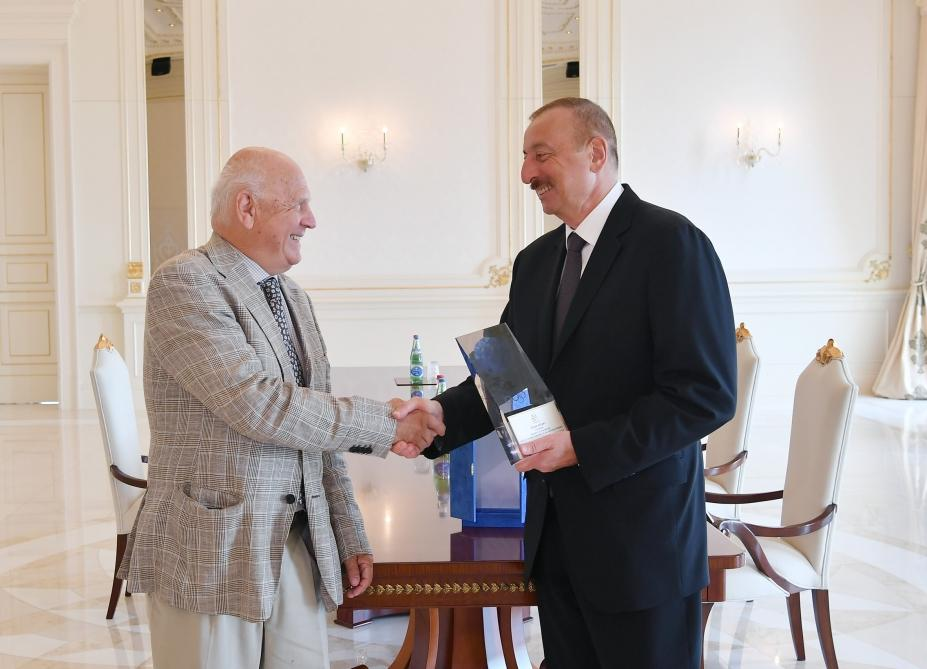 President Ilham Aliyev received President of European Olympic Committees (PHOTO) - Gallery Image
